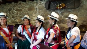 Chola Cuencana beauty pageant contestants